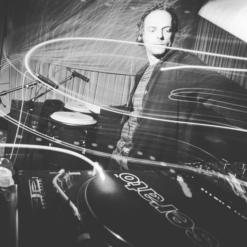 martelli_dj_set_and_live_on_congas_31_12_2016_ljubljana